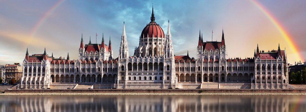 Le parlement de Budapest asséché par Aquapol